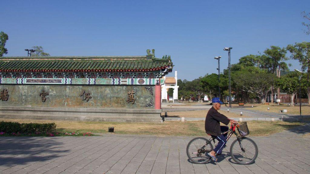 Passeggiando in bicicletta la domenica mattina